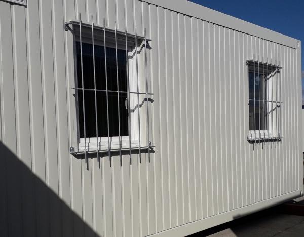 Module bureau sécurisé de 600 x 300 cm avec grillage de protection