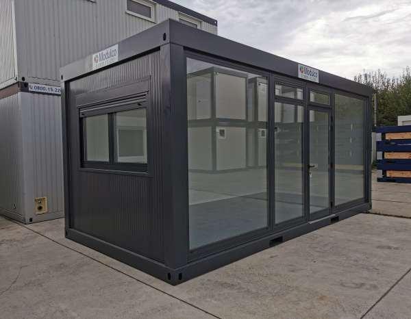 ( M63V) Pop up store / vitré en face gris de 600 x 300 cm