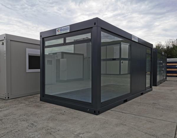( M63V)  Pop up store / 600 x 300 cm grijs hoekglas ( +/- 18,00 m² )