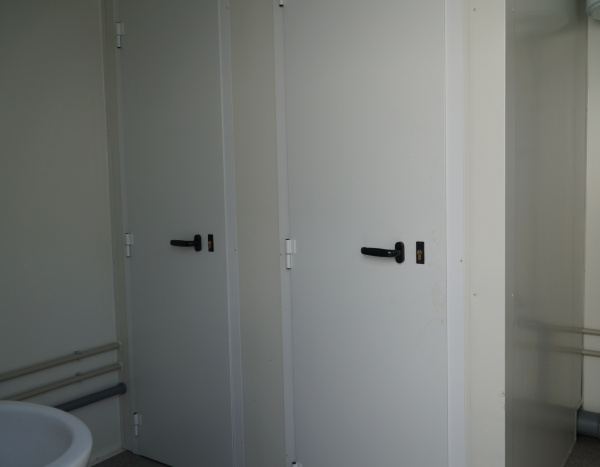 (WC63) 600 cm x 300 cm ( +/- 18,00 m² )