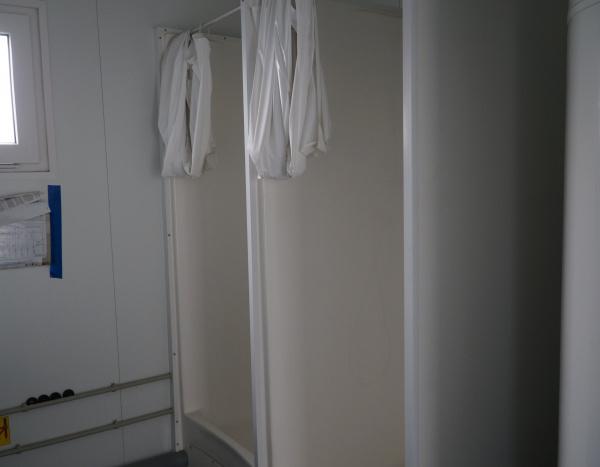 (MIX62) 600 cm x 240 cm WC + douches  ( +/- 14,70 m² )