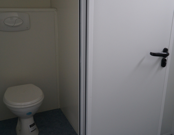 (WC63C) 600 cm x 300 cm gang ( +/- 18,00 m² )