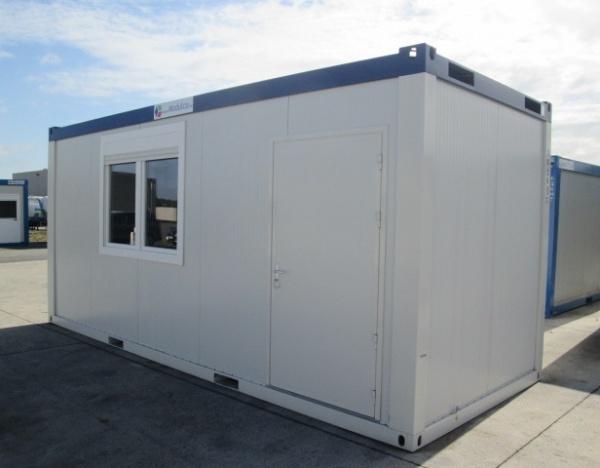 Bureau 600 x 245 cm comme neuf --4500,00€--