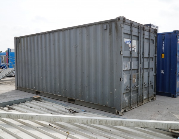 Container maritime 20 pieds --1700,00€--